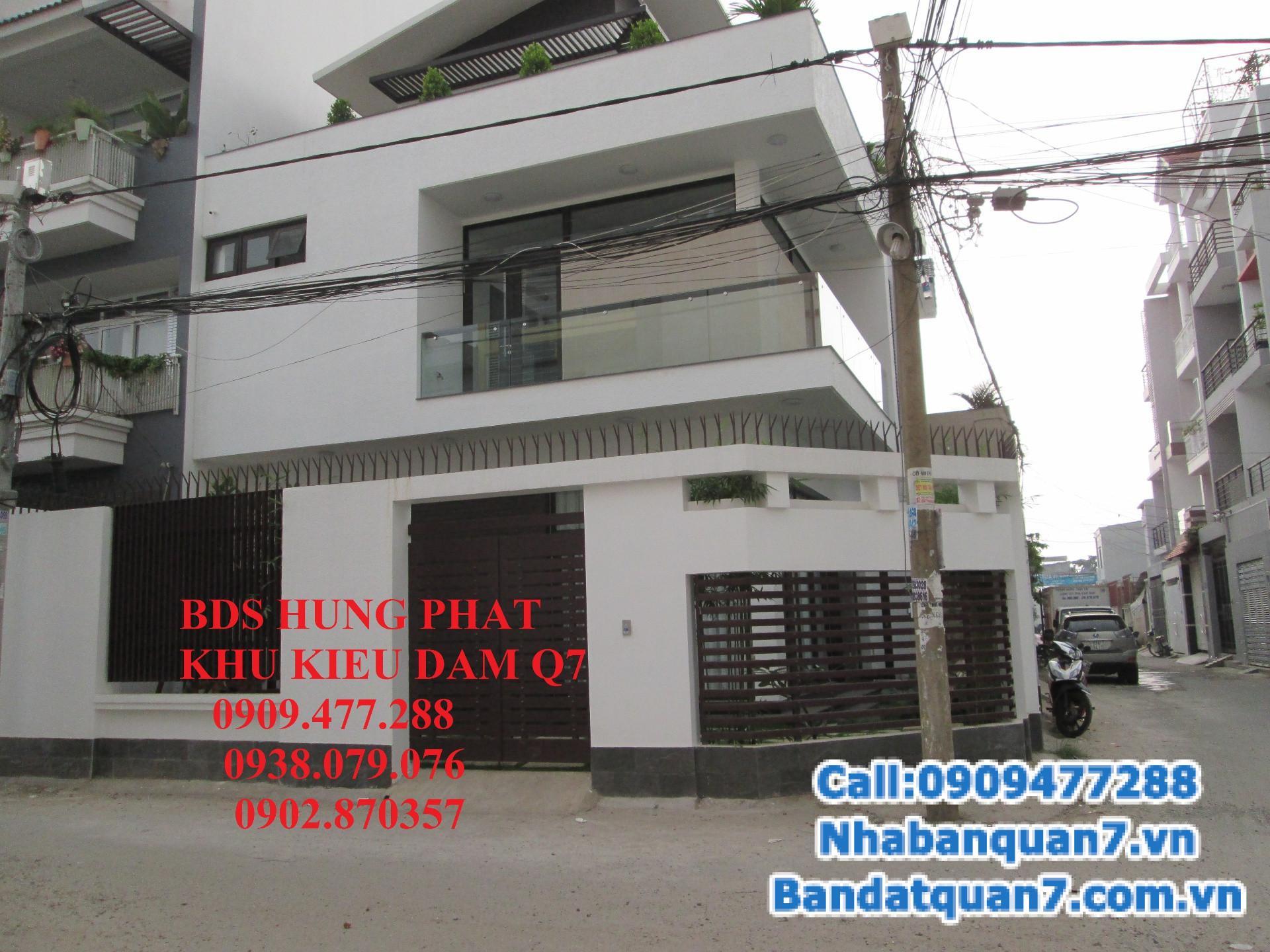 Nhà mới xây, thiết kế đẹp mắt nằm trong khu dân cư Kiều Đàm.