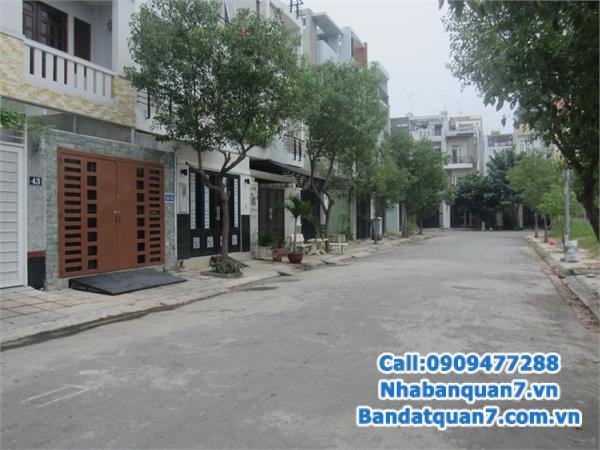 Cần bán gấp nhà tại khu dân cư Tân Quy Đông, ngay Lotte Mart Quận 7