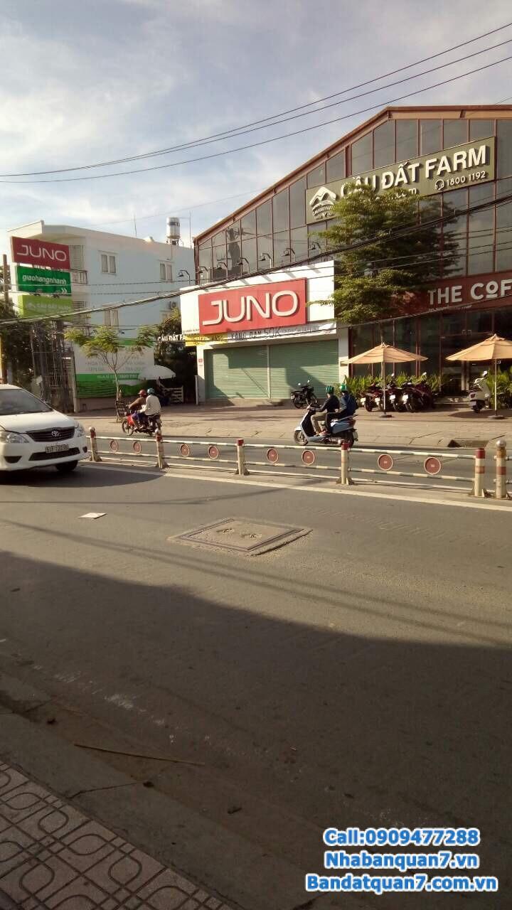 Bán gấp nhà mặt tiền Nguyễn Thị Thập, hướng Bắc, sổ hồng, giá 23 tỷ, LH xem nhà 0909477288