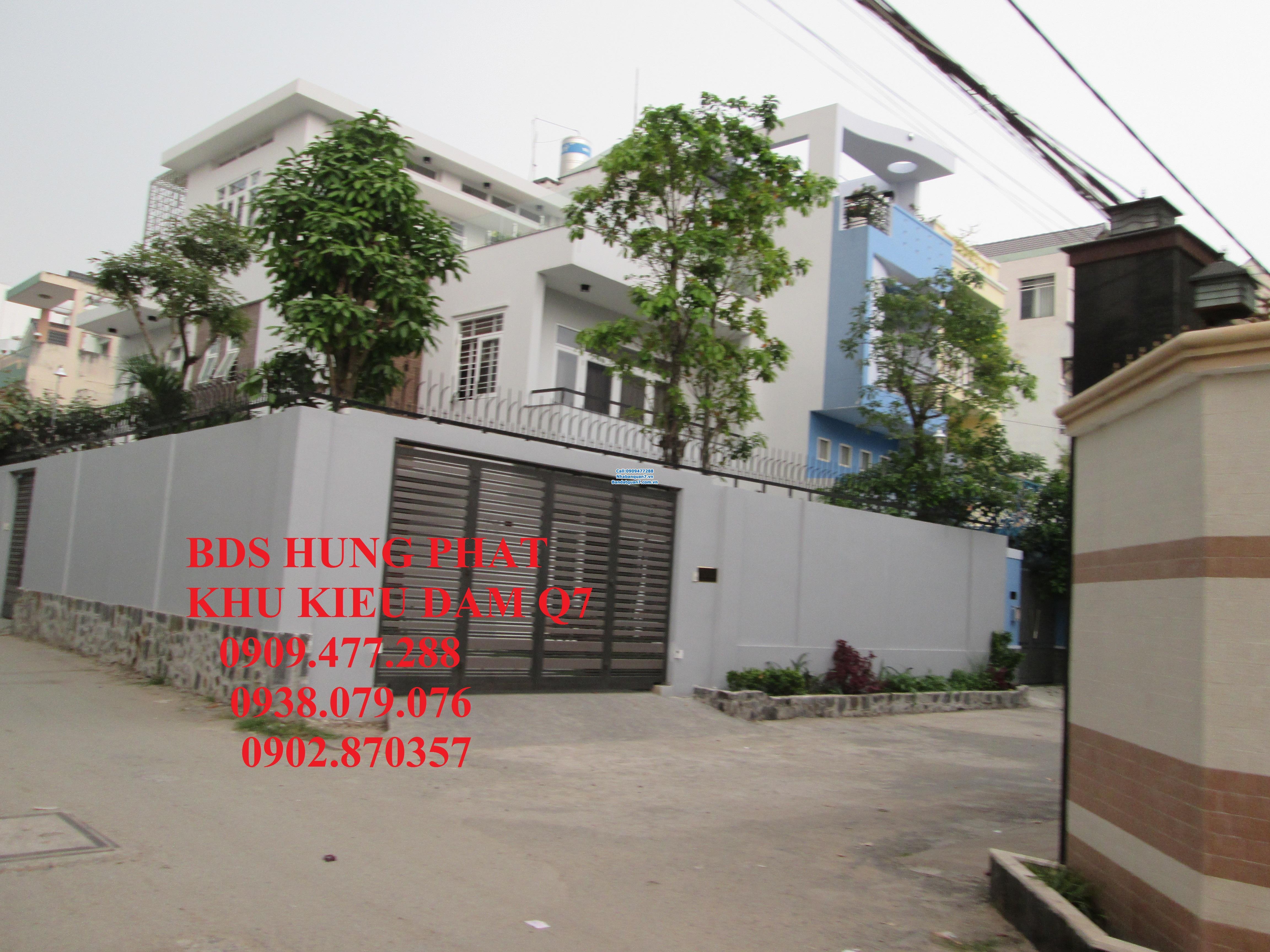 Bán lô đất 14x18m góc 2 mặt tiền đường 8m khu dân cư Kiều Đàm quận 7, hướng Đông và Nam giá 41 tr/m2. LH 0909477288.