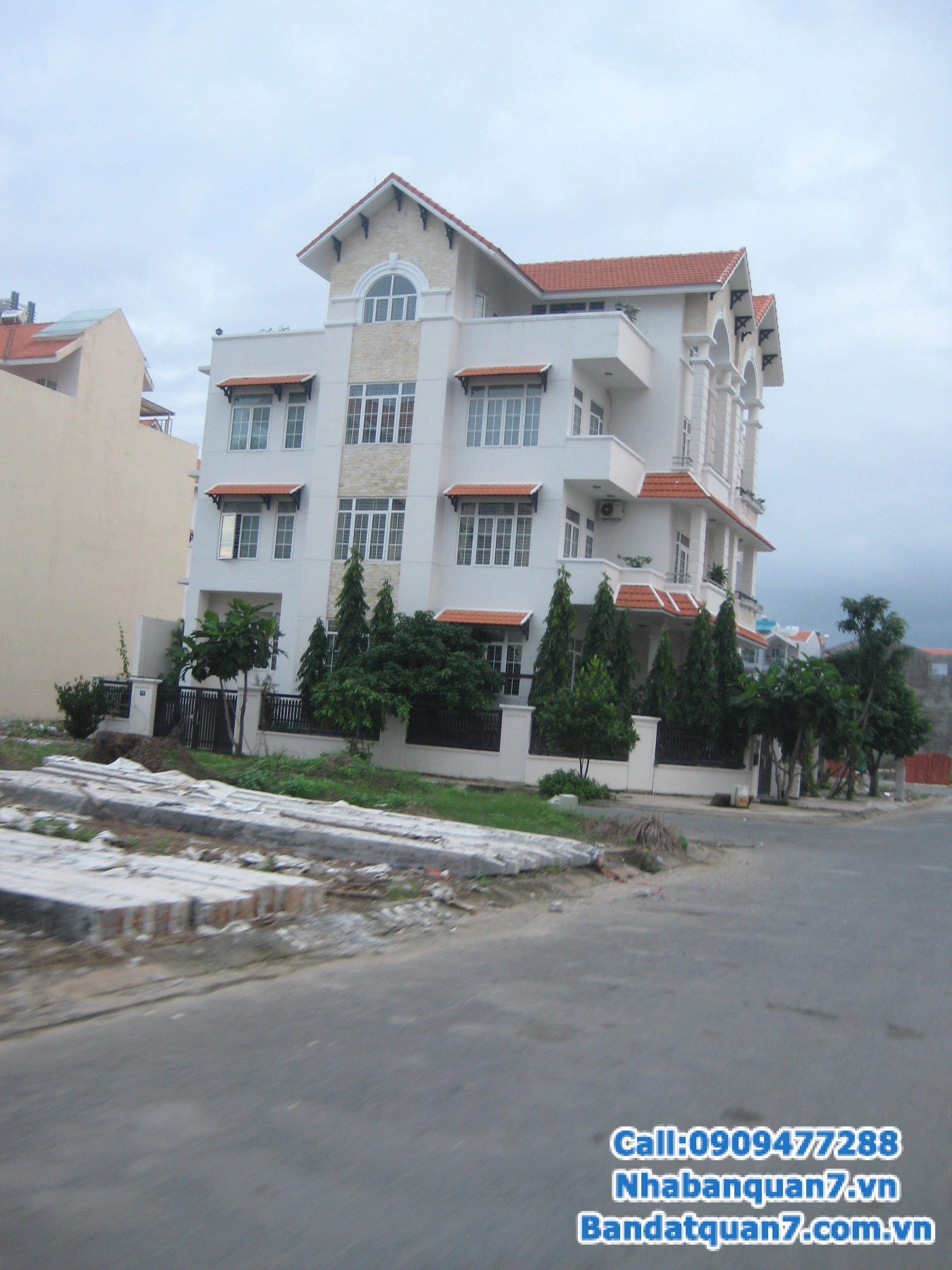 Kẹt tiền cần bán gấp đất nền dự án Him Lam Kênh Tẻ, Quận 7, căn góc hai mặt tiền giá: 82 tr/m2