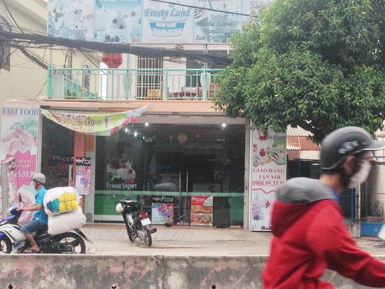 Bán nhà 1 lầu mặt tiền quận 7 đường Huỳnh Tấn Phát Quận 7