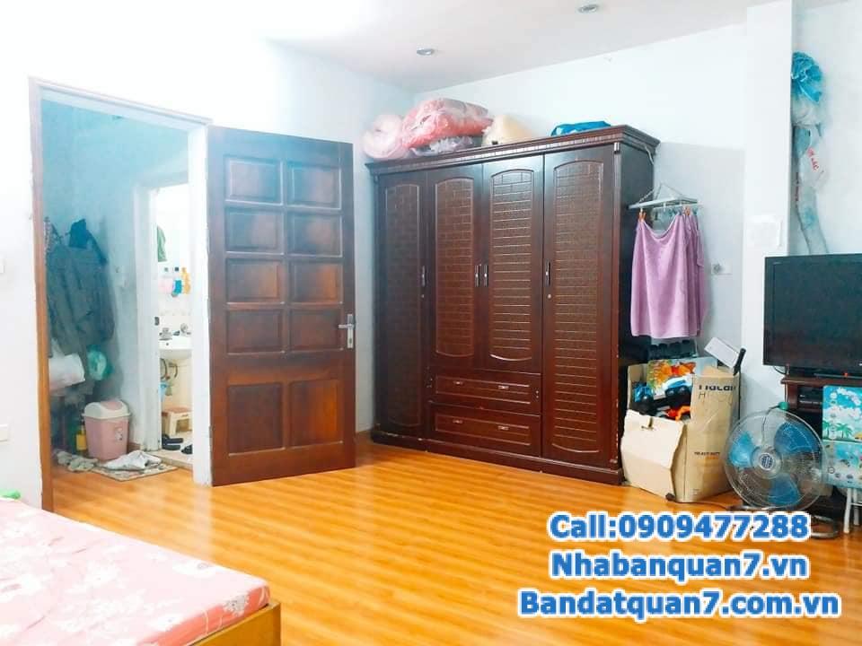 Nhà mặt phố kinh doanh sầm uất, vị trí đắc địa, chỉ 7.65tỷ, M.Tiền 4m, 26m2, phố Minh khai.