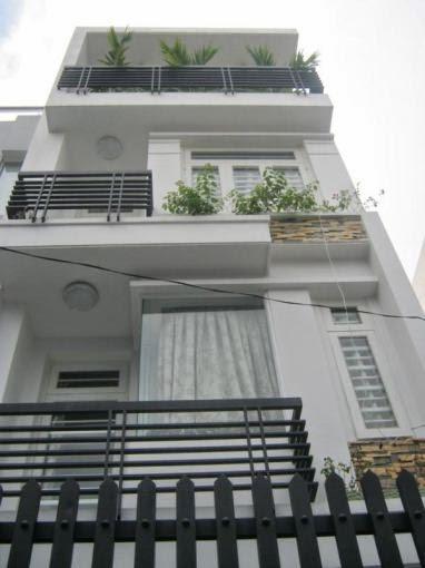 Cần bán nhà xây thô KDC Him Lam Kênh Tẻ, Quận 7, đối diện khu Trung tâm giáo dục giải trí lớn nhất Châu Á Him Lam Vikid, diện tích 7,5x20, hướng tây,lô E,mặt đường nội bô 14m, có thang máy, 1hầm, trệt, 2,5 lầu, vị trí đẹp, thoáng, tiện làm văn phòng,ở. Gi