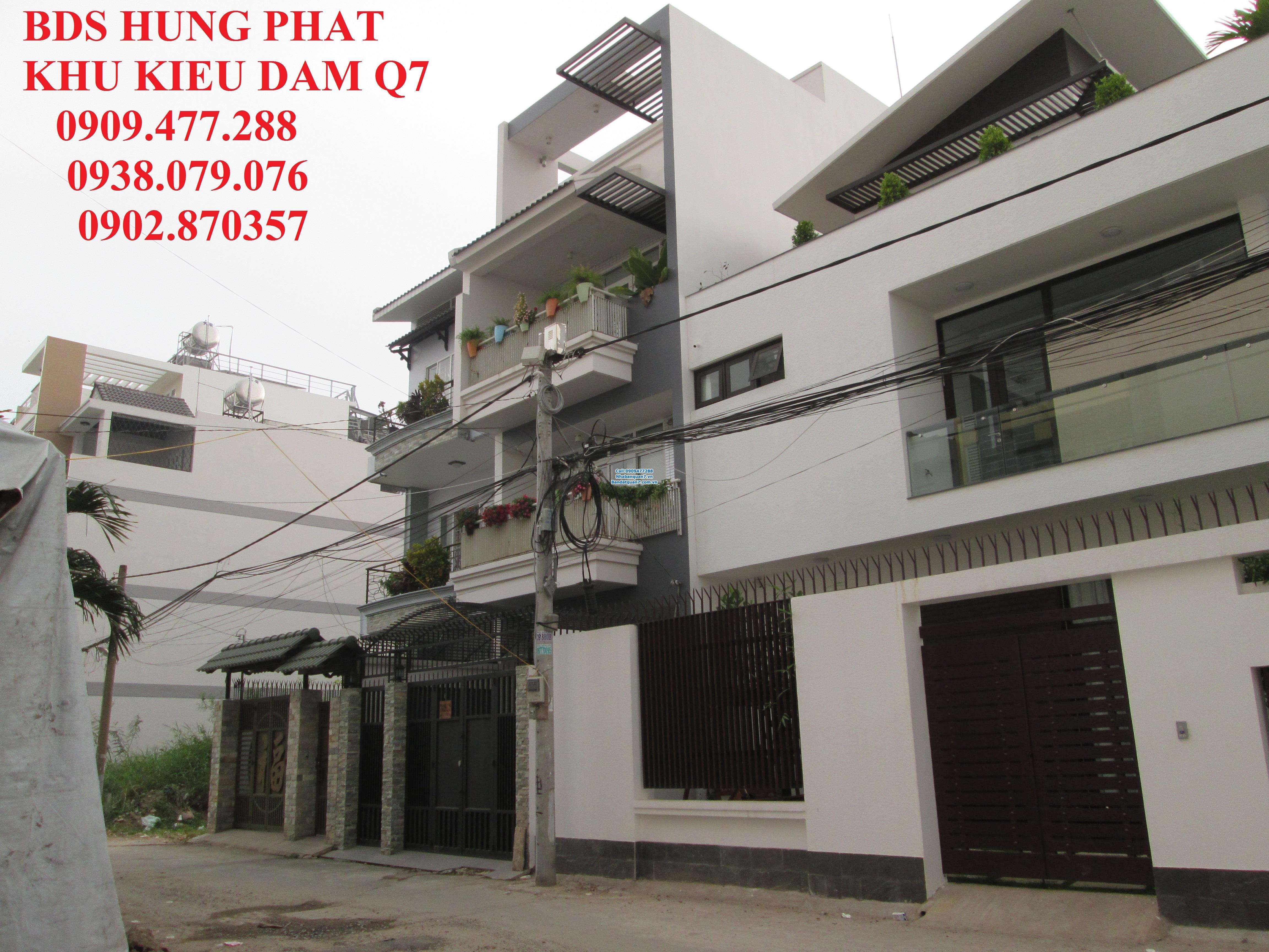 Bán nhà HXH 8m, Phường Tân Hưng, Quận 7    - Diện tích : 5m x 12m. Căc góc 2MT, Giá 3,5 tỷ, Hướng Nam  Lh 0909477288