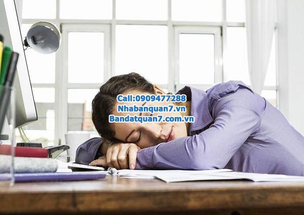 Cách để môi giới tránh ngủ gục trong công ty