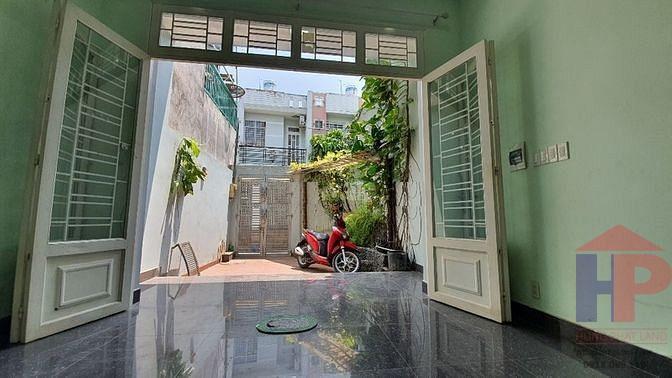 Bán nhà hẻm 1886 Huỳnh Tấn Phát Nhà Bè, 1 trệt – 2 lầu, DT 4x18.8m, giá 3.9 tỷ