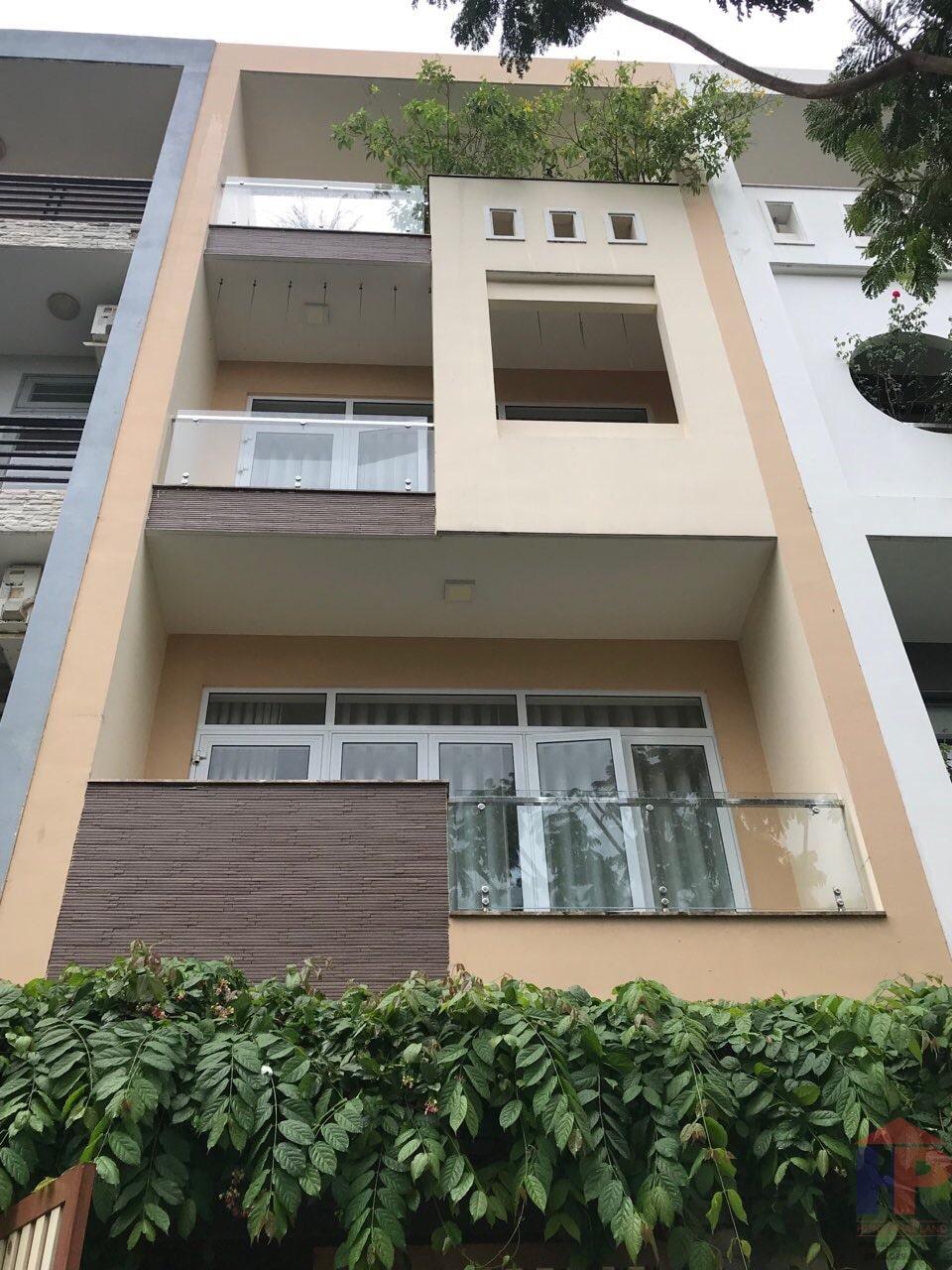 Bán nhà đường số 8 phường Tân Phong Quận 7, 1 trệt – 3 lầu, DT 5x18m, giá 12.9 tỷ