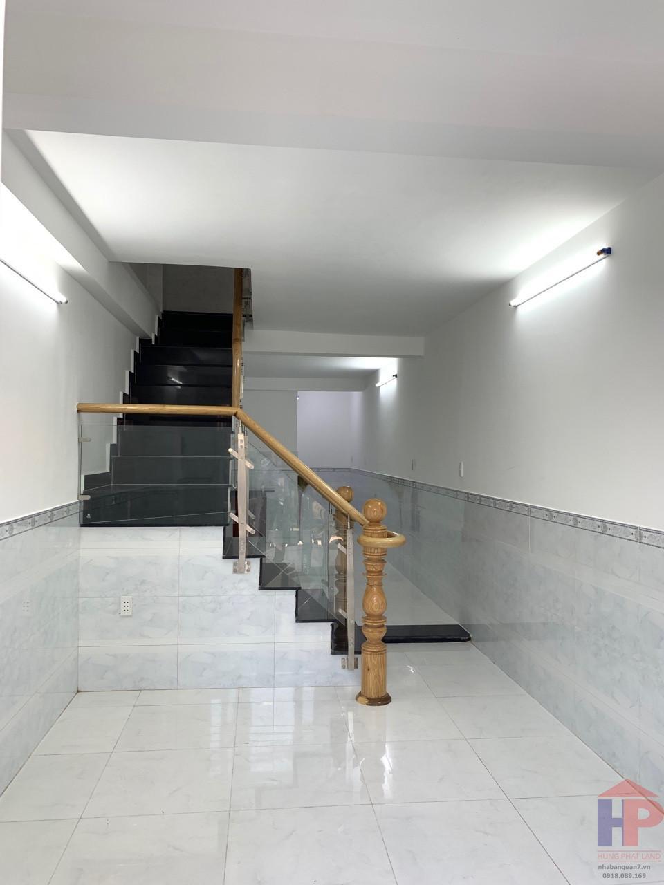 Mua bán nhà hẻm 861 Trần Xuân Soạn Quận 7, 1 lầu, DT 6x15.5m, giá 5.5 tỷ