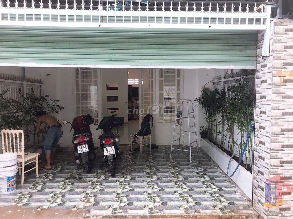 Bán nhà hẻm 994 Huỳnh Tấn Phát Quận 7, 1 trệt – 2 lầu, DT 5x15m, giá 5.18 tỷ