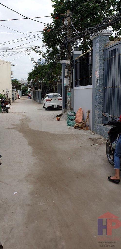 Bán nhà hẻm 1135 Huỳnh Tấn Phát Quận 7, 4 phòng trọ, giá 6.25 tỷ