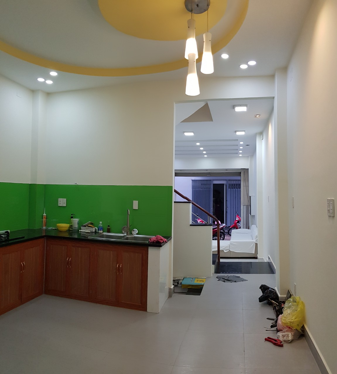 Thuê nhà nguyên căn Quận 7 Trần Xuân Soạn, nhà đẹp 2,5 lầu, vào ở liền. giá 15tr/th. Mã tin: 6585