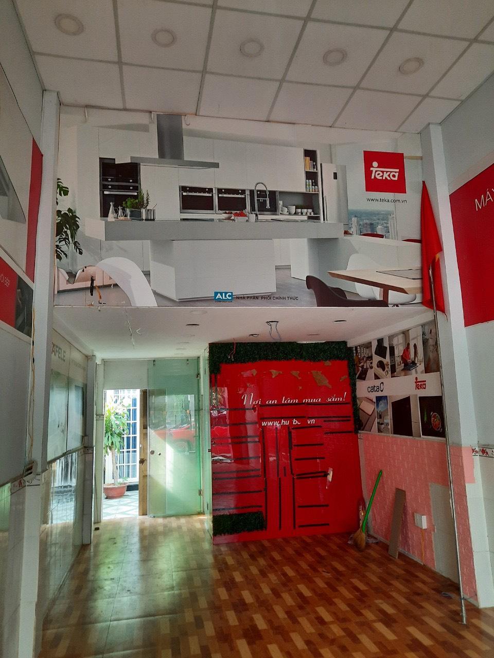 Mặt bằng kinh doanh 44m2 Nguyễn Thị Thập  giá chỉ 18 triệu/1 tháng: 0909 837 449