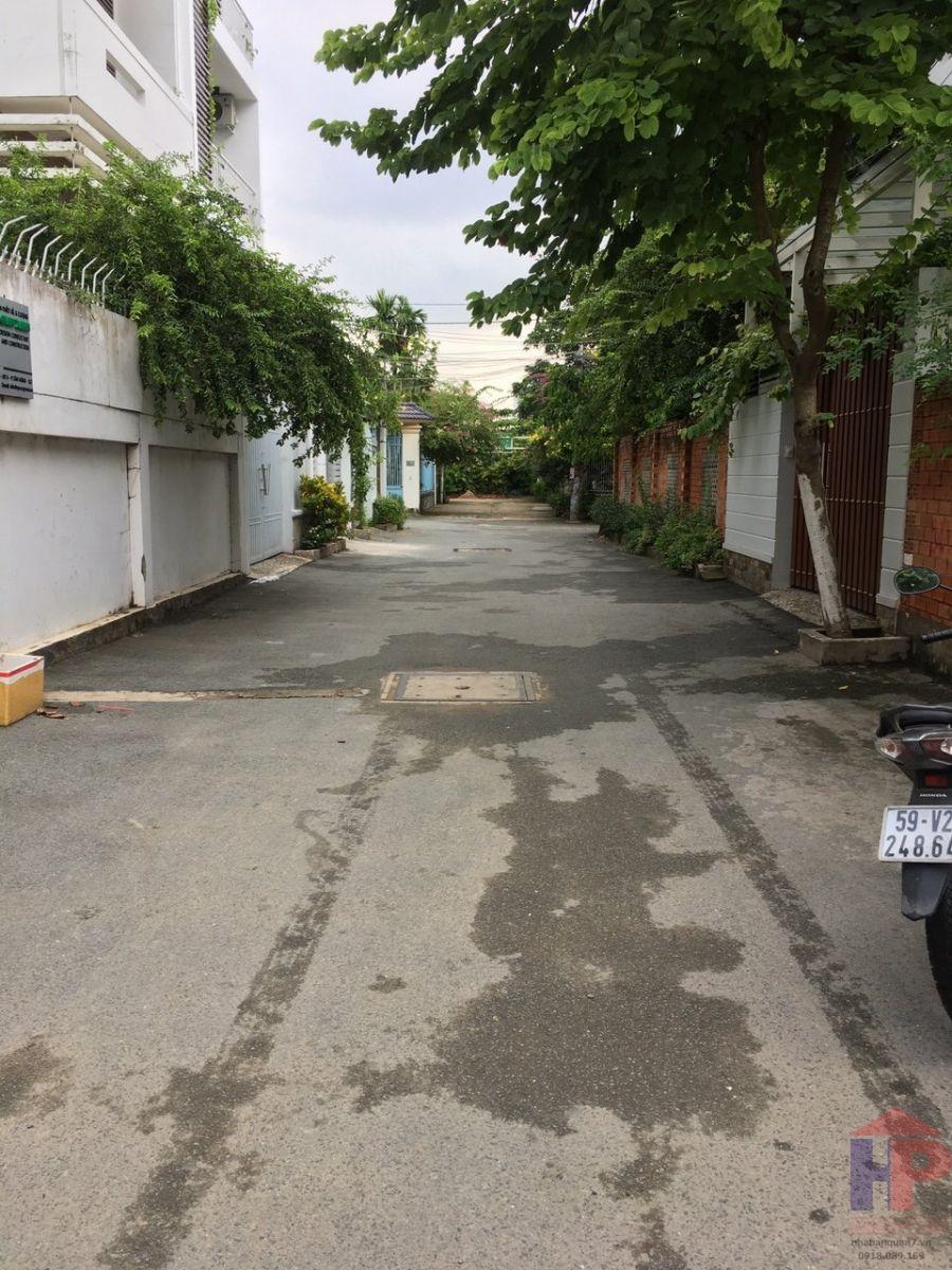 Bán đất đường Kiều Đàm, Quận 7 DT 11x27m giá 23,1 tỷ LH 0909477288