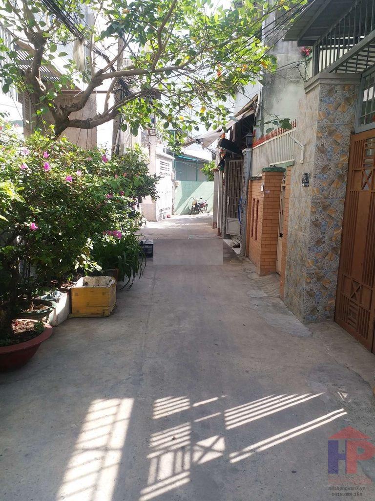 Bán nhà hẻm Bùi Văn Ba, Phường Tân Thuận Đông DT đất 3.5 x 22 Giá: 5.5 tỷ LH 0909477288
