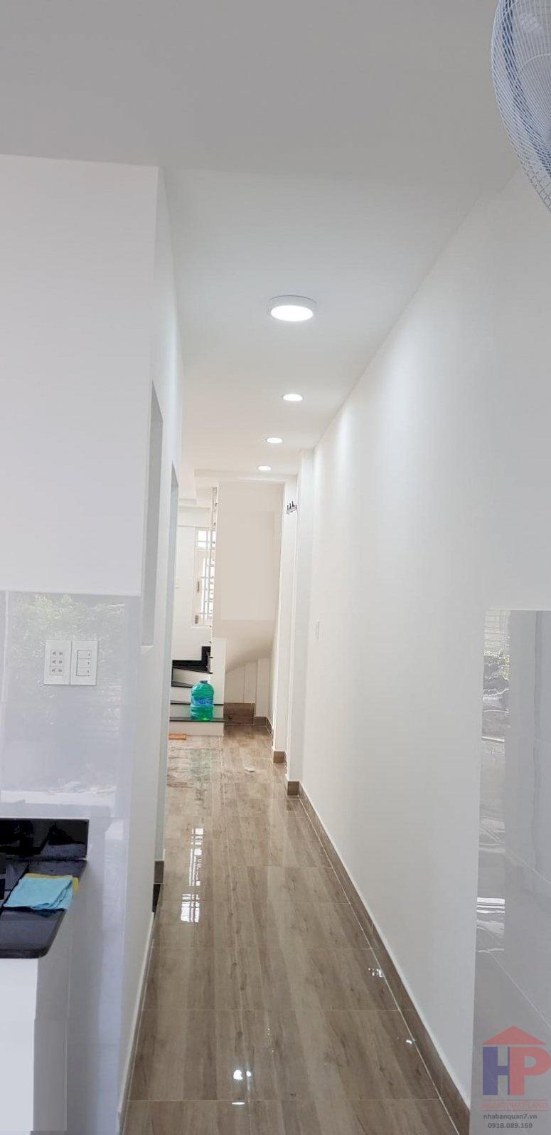 Bán nhà hẻm 300 Nguyễn Văn linh Quận 7, 1trệt - 1 lầu, DT 4x12m